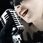 square_vintage_micro_singer